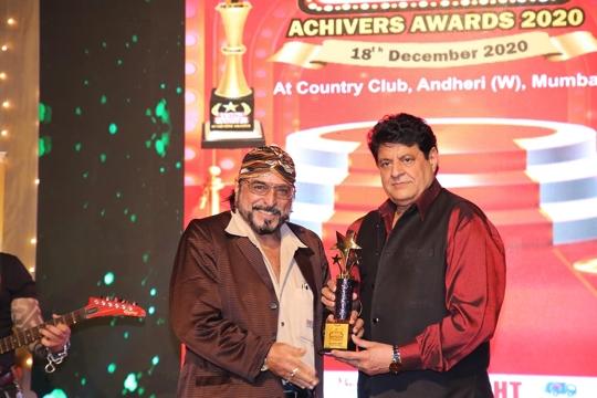 GRAND SUCCESS OF CINEMA  AAJTAK  ACHIEVERS  AWARDS