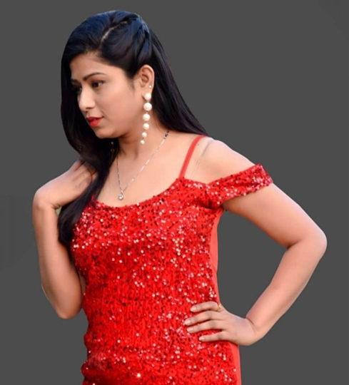 Actress Azra Qureshi her wish to work with Rajshri Production
