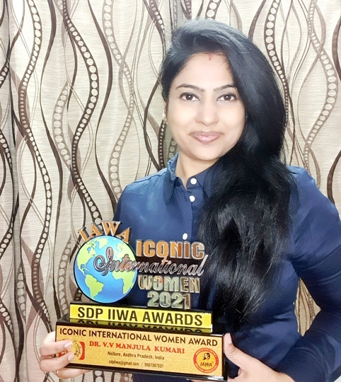 DR V V MANJULA KUMARI  A Strong  Determined Self Motivated Personality Felicitated By ICONIC INTERNATIONAL WOMEN AWARD 2021  Is From Guntur  Andhra Pradesh