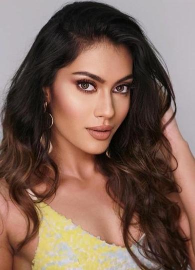 Actress Namrata Sharma Completed the Shoot of  Her Music Video Dard E Tanhaai  In Kullu Manali With Mandeep Gujjar